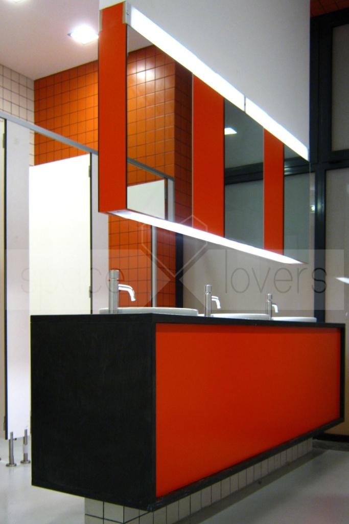 Escola de Dança NEXT - Espelho Casa de Banho