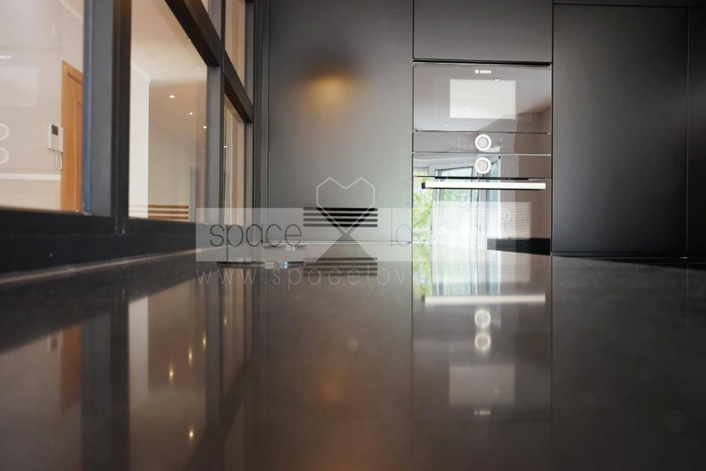 remodelacao-apartamento-parque-das-nacoes-cozinha-lacada
