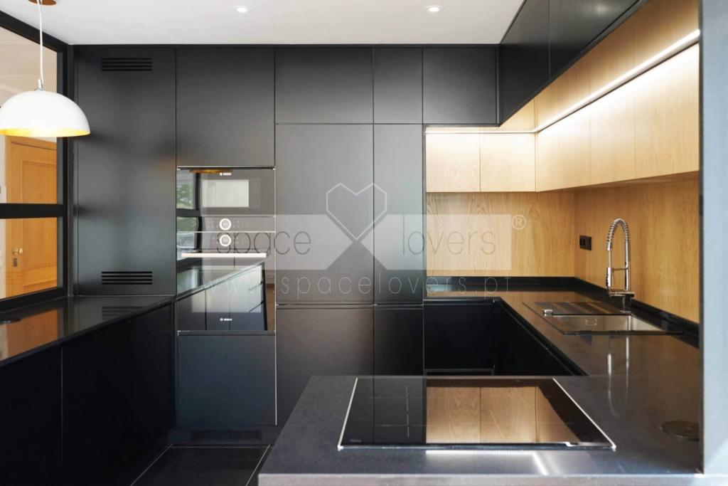remodelacao-apartamento-parque-das-nacoes-cozinha-madeira-carvalho